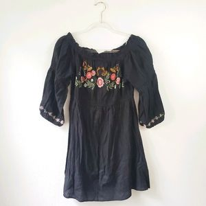 New Feathers Floral Embroidered Off Shoulder Top
